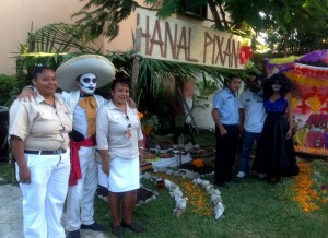 Day of the Dead Altars in Sandos