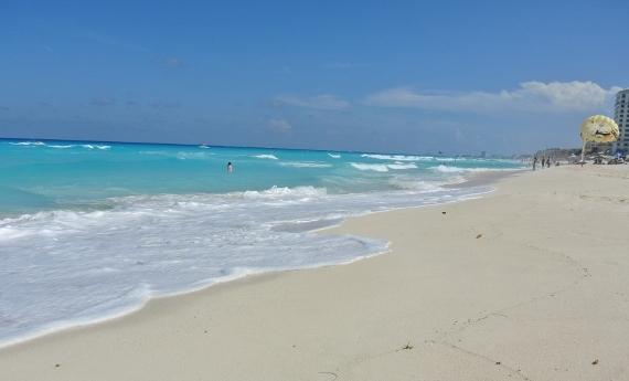 Sandos Cancun Luxury Resort beach 5