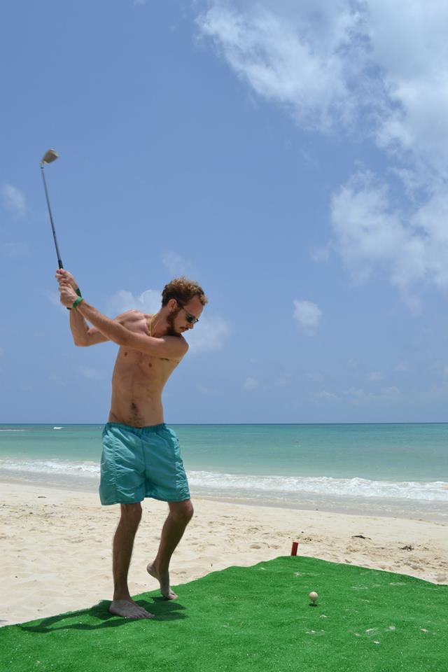 Beach golf competition Playa del Carmen 6