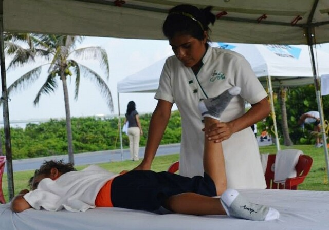 Charlie and Friends Cancun Marathon Massages 9