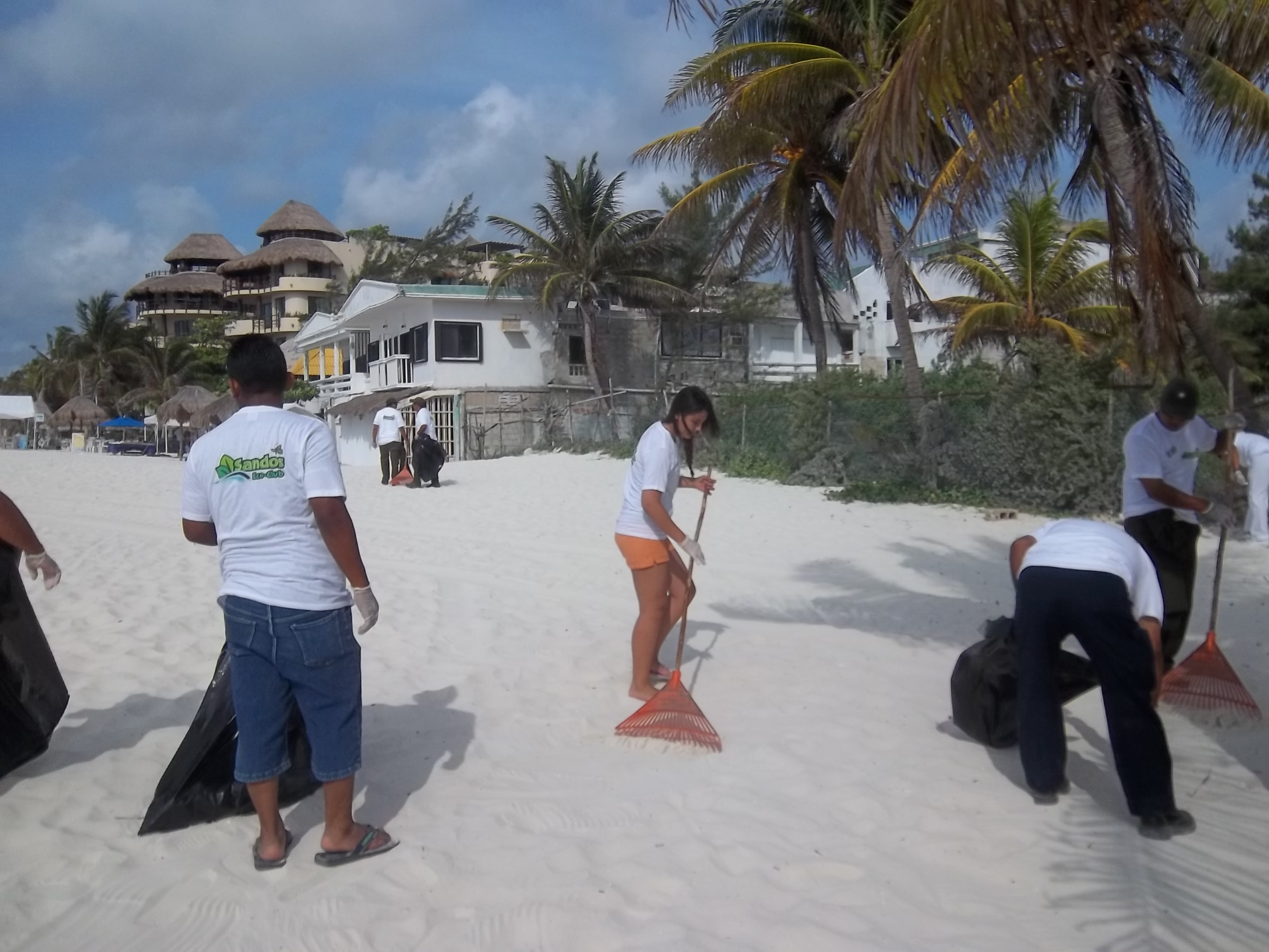 Sandos beach cleanup Playa del Carmen 2