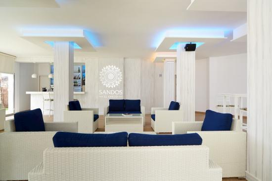 Zona interior del Beach Club Royal Elite en Sandos El Greco
