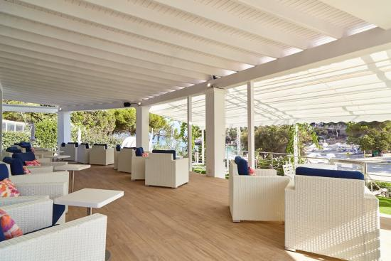 Terraza del Beach Club Royal Elite en Sandos El Greco