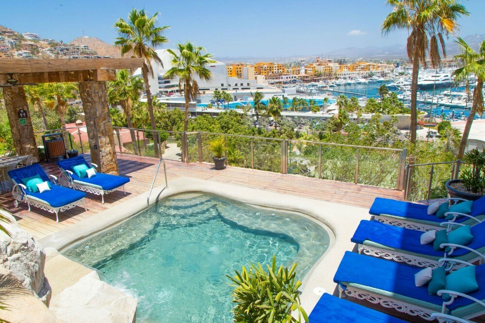 Cabo San Lucas resort jacuzzi area