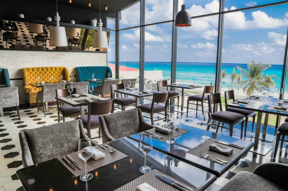 Cancun ocean view Italian restaurant