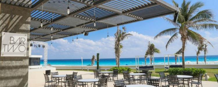 Cancun beach bar