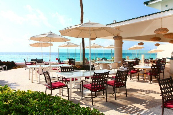 Cancun ocean front pool restaurant
