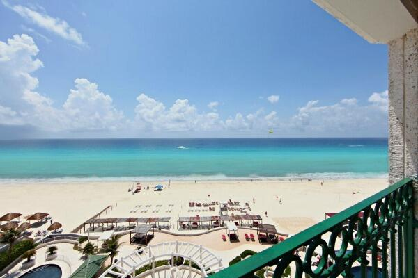 Cancun ocean front suite