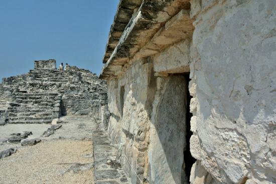 El Rey Maya ruins Cancun