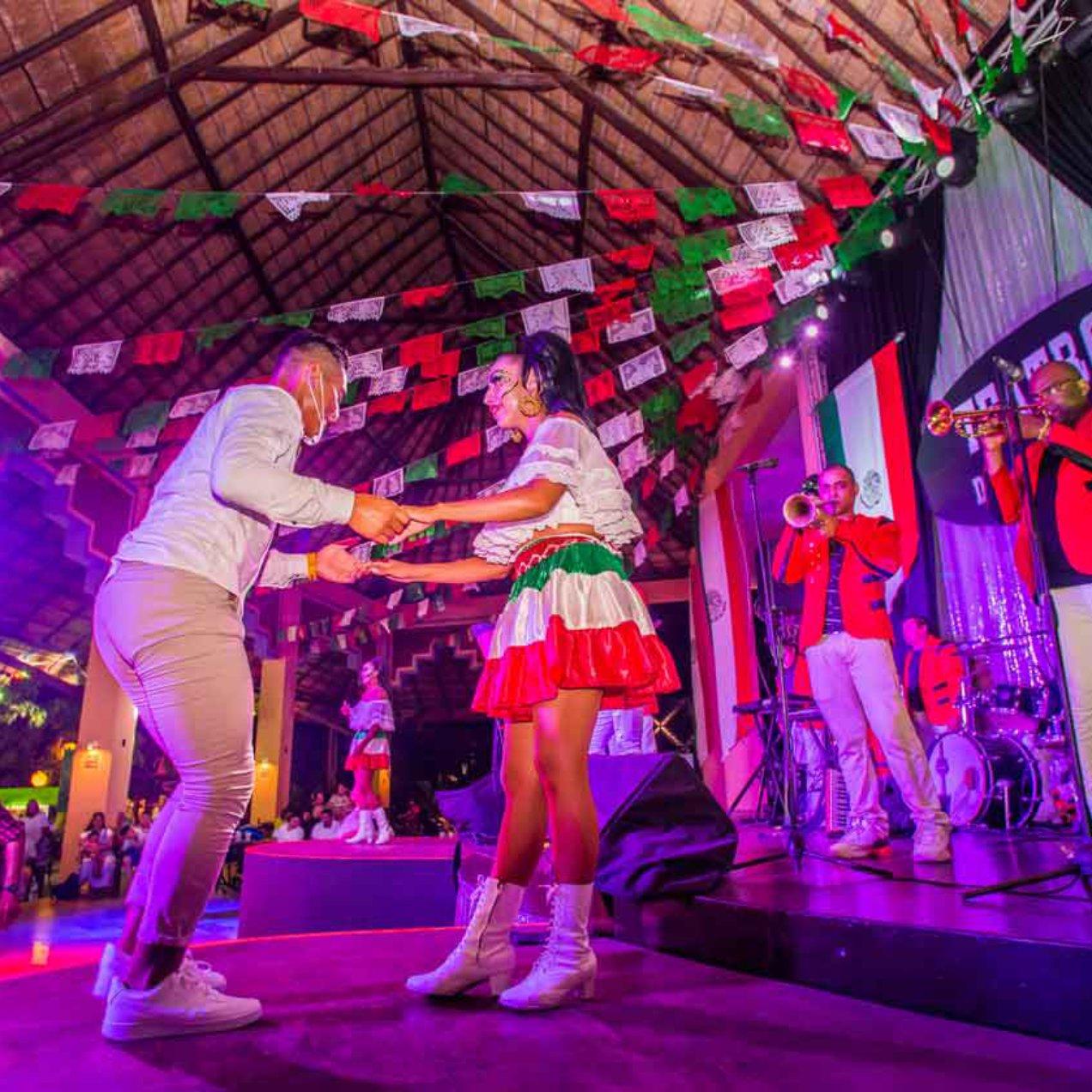 New Entertainment Program at Sandos Caracol: Vive Mexico