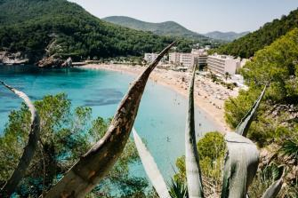 Alojamiento con servicio de Media Pensión en Ibiza-Cala