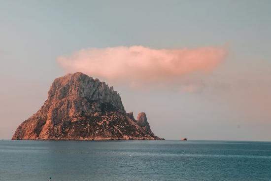 Viaja en familia a Ibiza con Sandos Hotels & Resorts-Es Vedrà