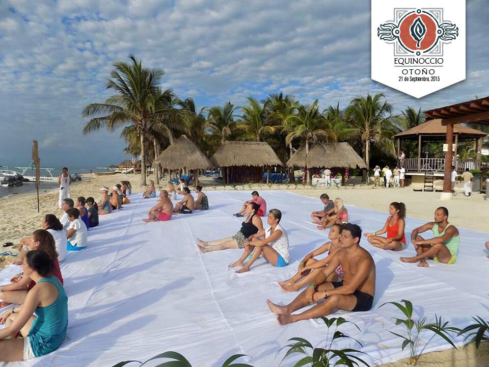 Meditacion en la playa Riviera Maya