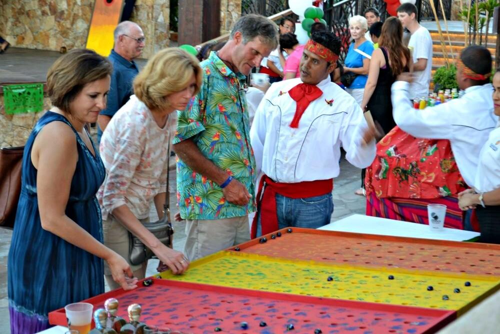 Festejando El Dia De La Independencia Mexicana En Sandos Sandos