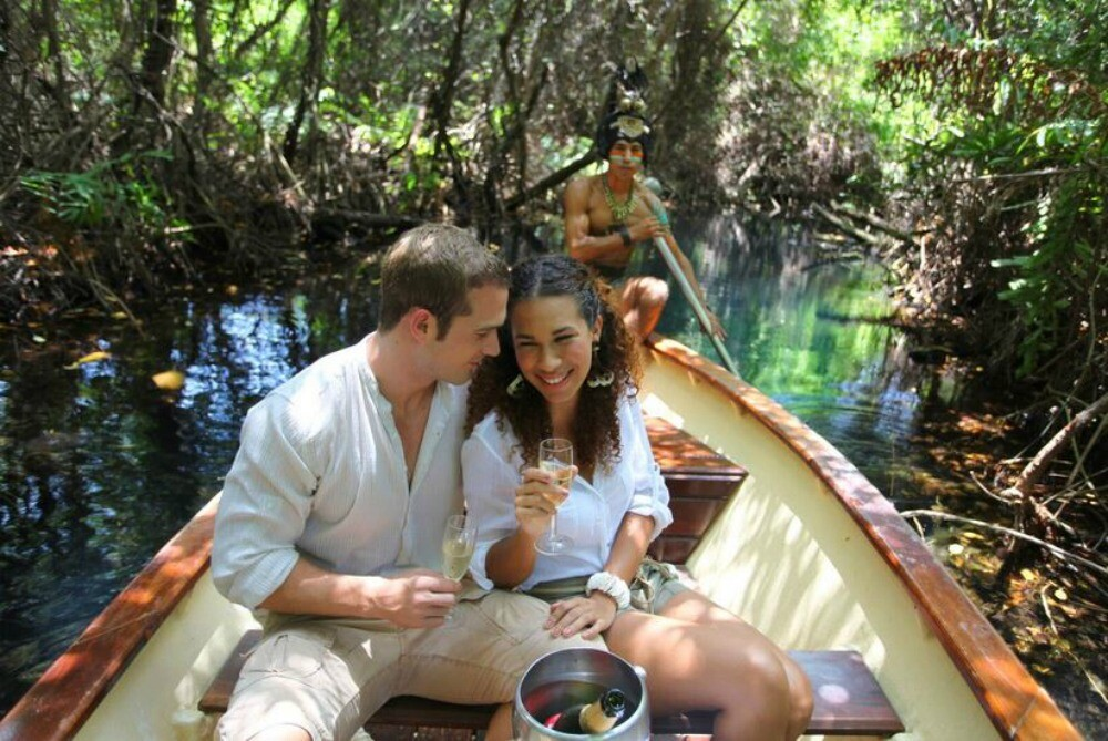 Romantic boat ride in Playa del Carmen