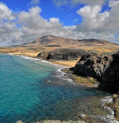Playa del Papagayo, entre las mejores de España