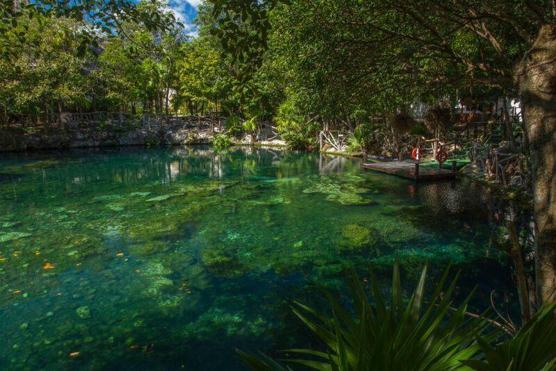 Cenote en Sandos Caracol Eco Resort Riviera Maya