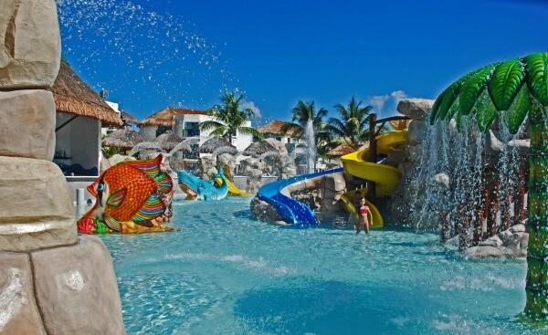 Sandos Caracol Riviera Maya resort water park