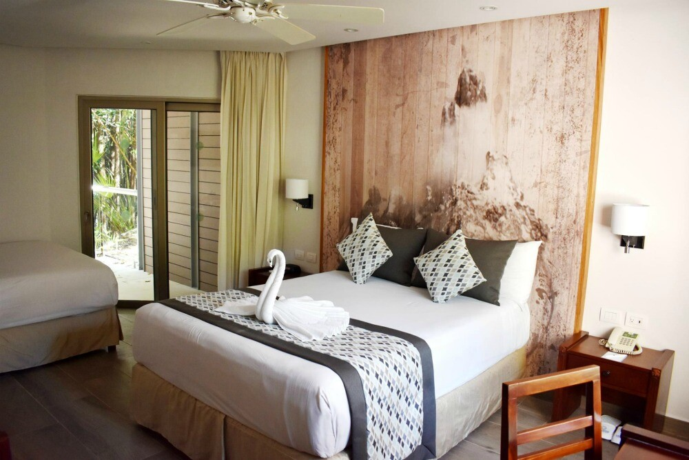 Sandos Caracol Signature Eco room