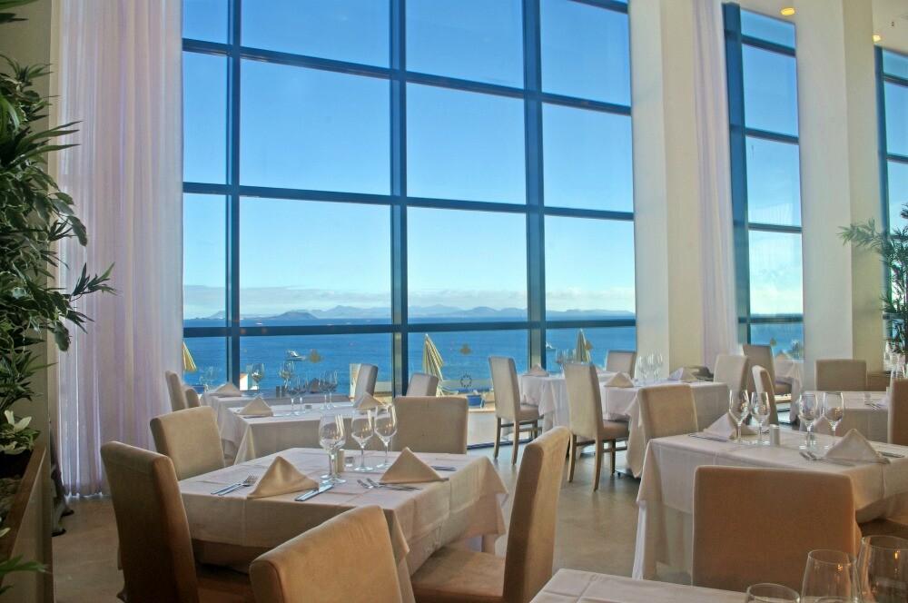Sandos Papagayo restaurante vista al mar