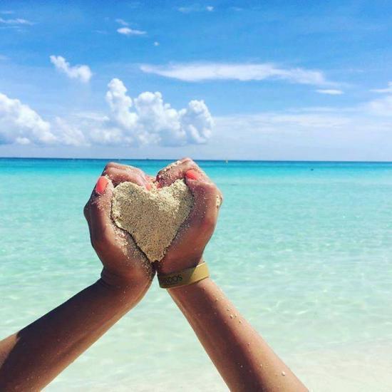 arena amor corazon playa brazalete