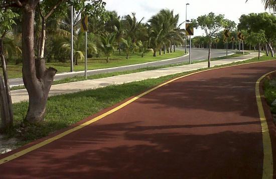 ciclopista-via-cancun-zona-hotelera