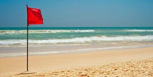 what does a red flag at the beach mean