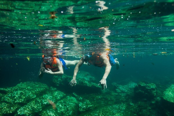 snorkel en un cenote